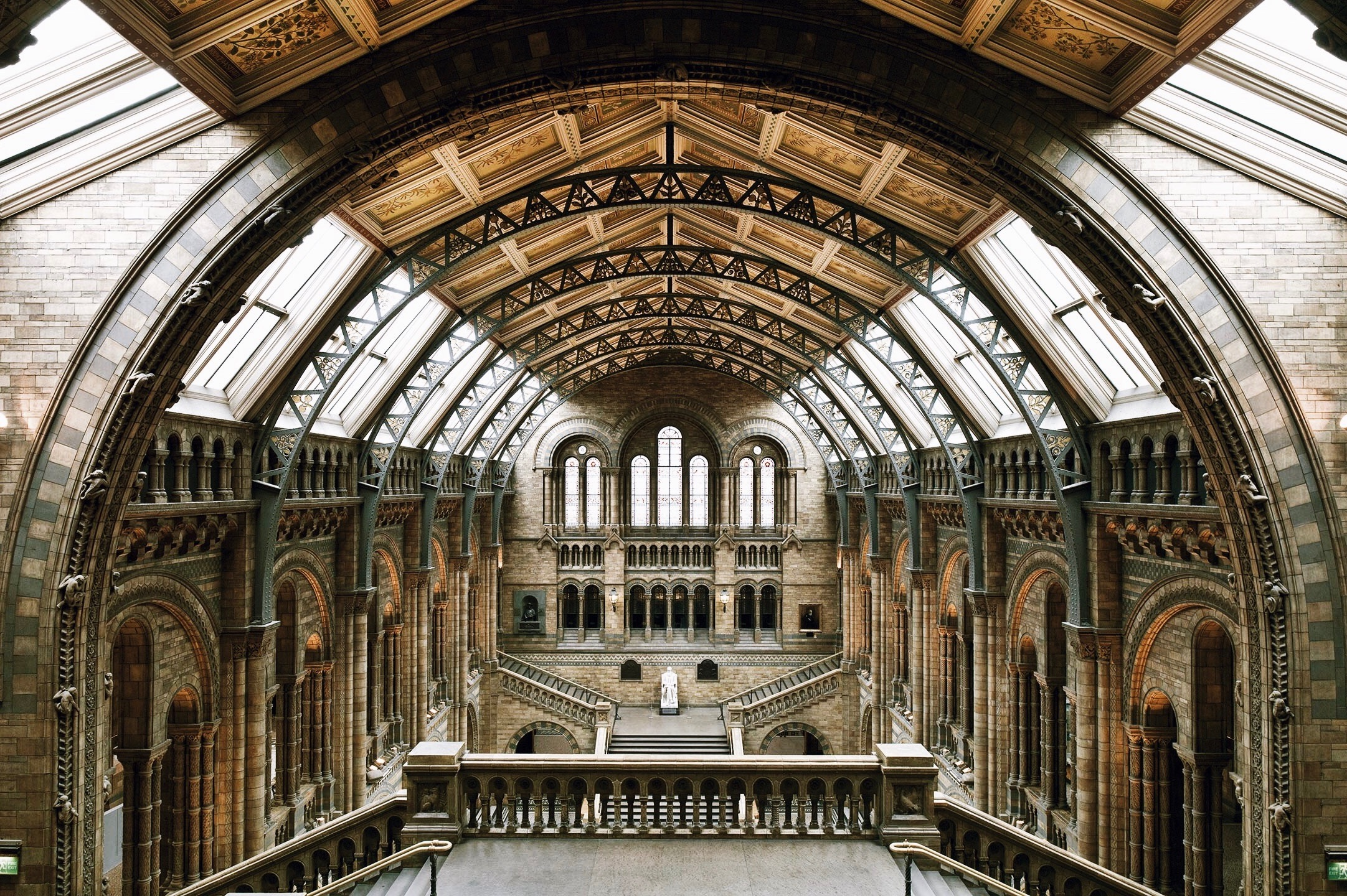 Natural History Museum of London Skip-the-Line Guided Tour – Private Tour in Spanish